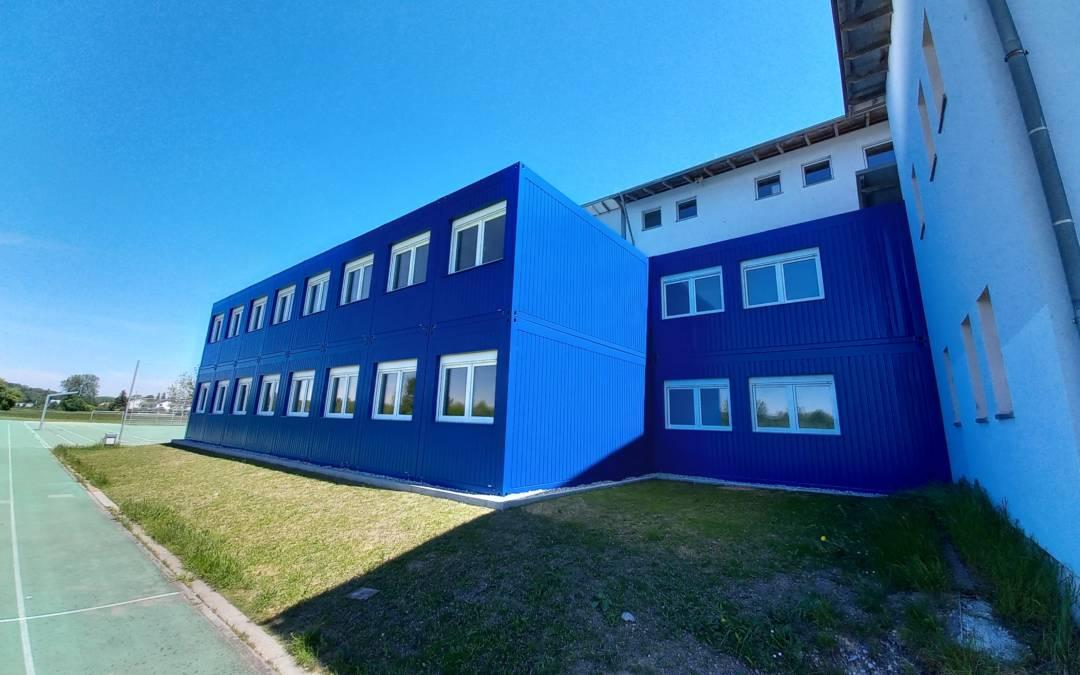 Der Unterricht hat begonnen — die Schule Mammendorf ist fertig