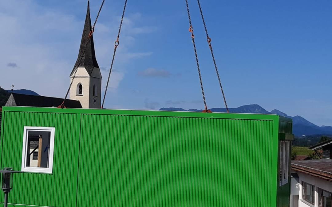 Die neuen Kindergartencontainer sind in Neukirchen eingetroffen!